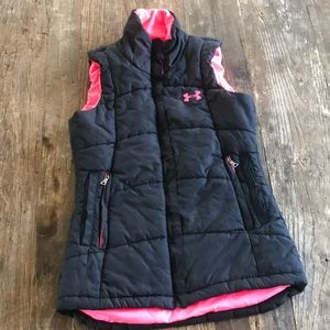 Under Armour a black Neon Pink Puffer Vest Small